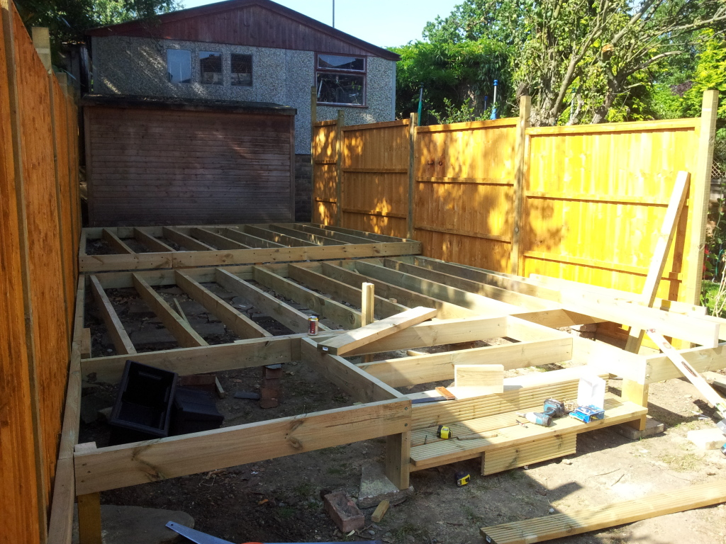 southgate-fencing-decking-contractors