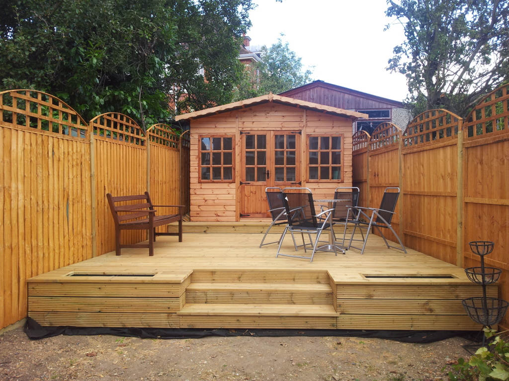 southgate-bespoke-decking-contractors