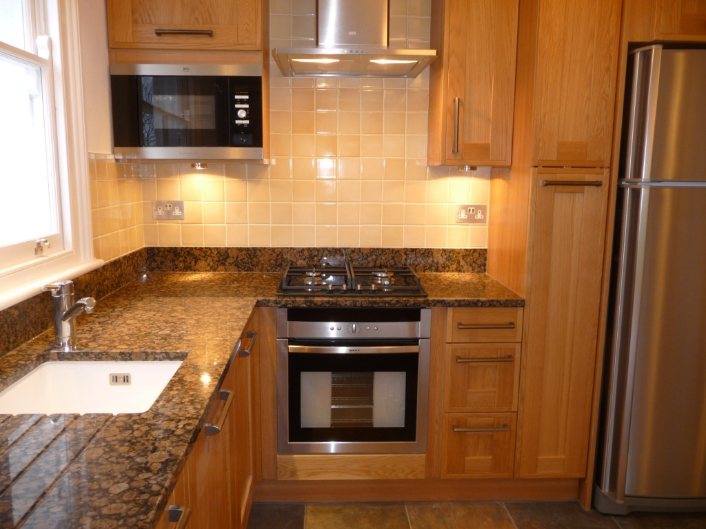 kitchen-sink-tiled-backsplash-installation