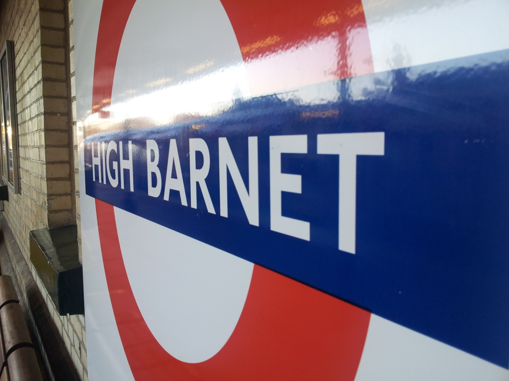 high_barnet_station_picture